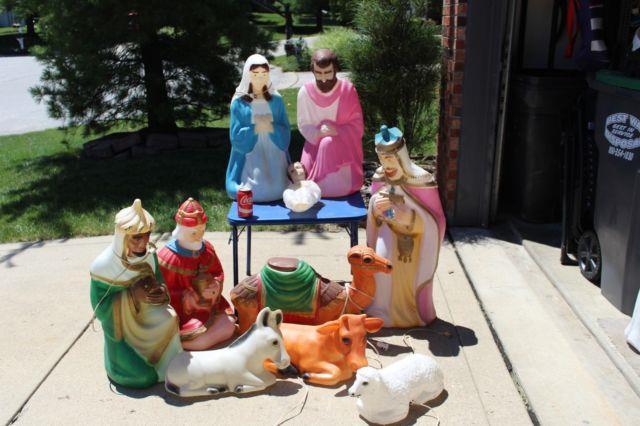 10 Pcs. Blowmold Nativity Set Light Up Outdoor Plastic Xmas Yard Lawn Holiday