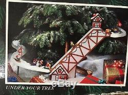 1992 Mr Christmas Santa's Ski Slope for Christmas Tree or Table Top Decoration