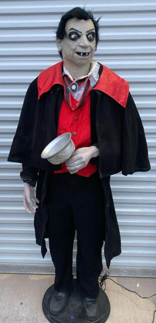 2006-2008 Gemmy Count Vigor Life Size Animated Halloween Figure Partially Works