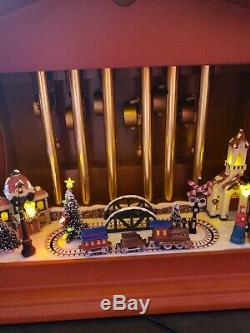 2010 Mr. Christmas Gold Label Animated Musical Chimes withClock Plays 70 Songs