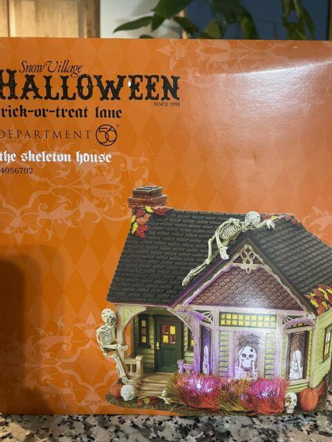 Department 56 Snow Village Halloween The Skeleton House 4056702 Brand New