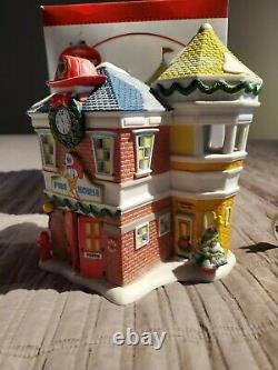 Department Dept. 56 Disney Donald's Fire Station Mickey's Merry Christmas NOFLAG