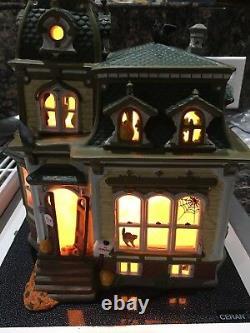 Dept 56 Halloween Haunted Mansion Green Roof Snow Village Retired 2000 #54935