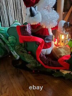 EUC 1993 Santa's Best Animated Santa Sleigh & Reindeer Christmas Motionette