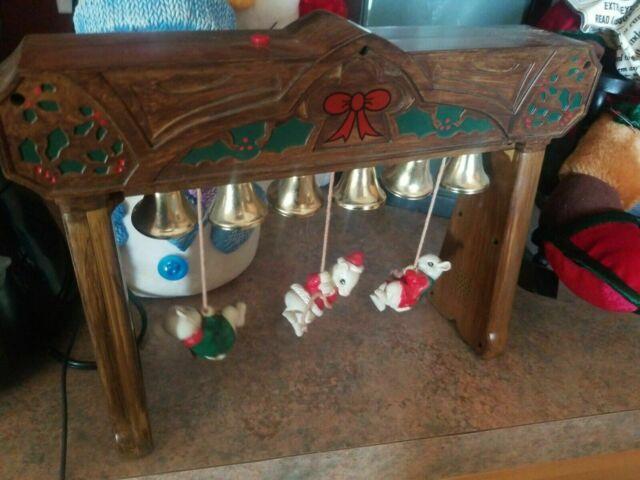 Enesco Style Christmas Moving Mice & Bells Carol Of The Bells Music Box