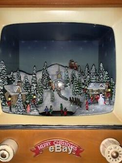 F. A. O Swartz Television with Santa Christmas Music Light Up Motion 7.5 X 8.5