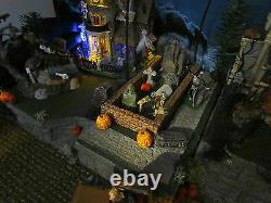 HALLOWEEN Majestic STAIRCASE Village Display platform base 42x12 Dept 56 Lemax