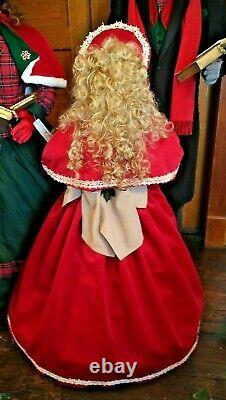 Life Size Christmas Carolers