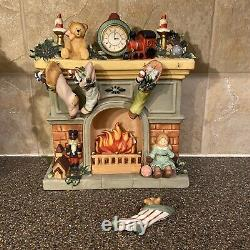 Living Home Christmas Fine Porcelian Nostalgic Santa Scene