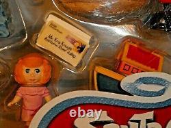 Memory Lane Santa Claus Coming To Town Mint Set 1998 Jessica, Kris Kringle, Topper