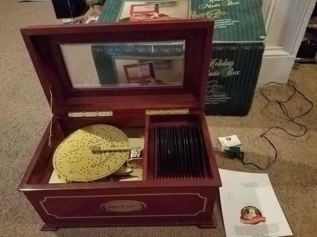 Mr Christmas 1999 Holiday Music Box 16 Disc Symphonium Real Wood Complete Iob