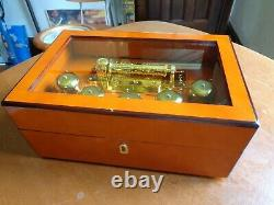 Mr Christmas Gold Label Grand Animated Concertina 5 Bell Music Box
