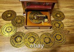 Mr Christmas Gold Label Showcase Symphonium Christmas Ball Dancers &12 Disks