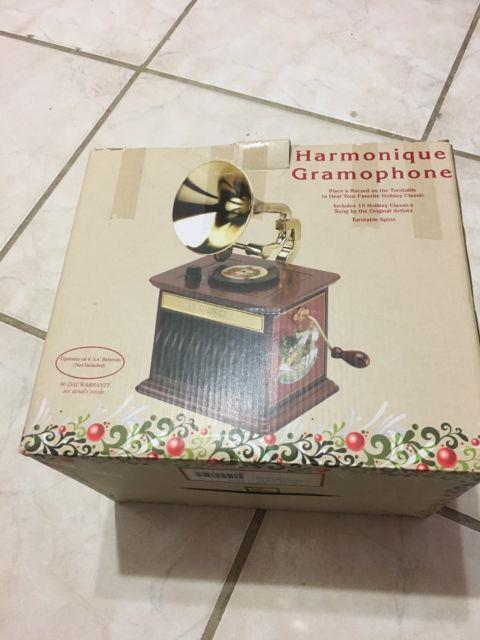 Mr. Christmas Harmonique Gramophone Turntable 12 Songs Music Box