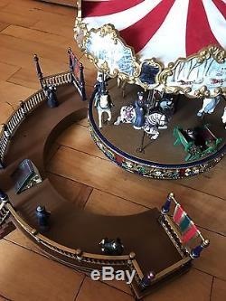 Mr. Christmas Holiday Around the Carousel Musical Vtg Merry Go Round Box 1995 03