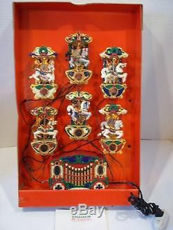 Mr Christmas Holiday Carousel 6 Horses & Circus Organ With 21 Carols Lighted