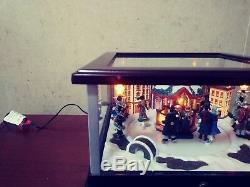 Mr. Christmas Skaters Music Box Plays 25 Christmas Songs, 25 All Year Classics