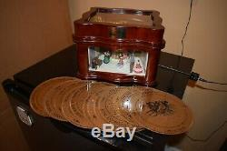Mr Christmas VILLAGE SQUARE ANIMATED SYMPHONIUM Music Box 16 disks (720W)