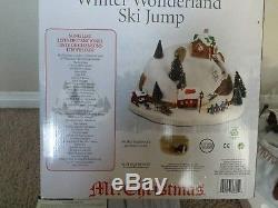 Mr Christmas WINTER WONDERLAND SKI JUMPAnimated Musical 2012