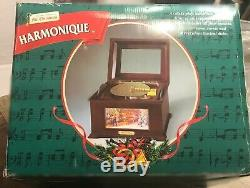 NVR USD MrChristmas Harmonique Moving Dancers & Scenery 16 Disc Player Music Box
