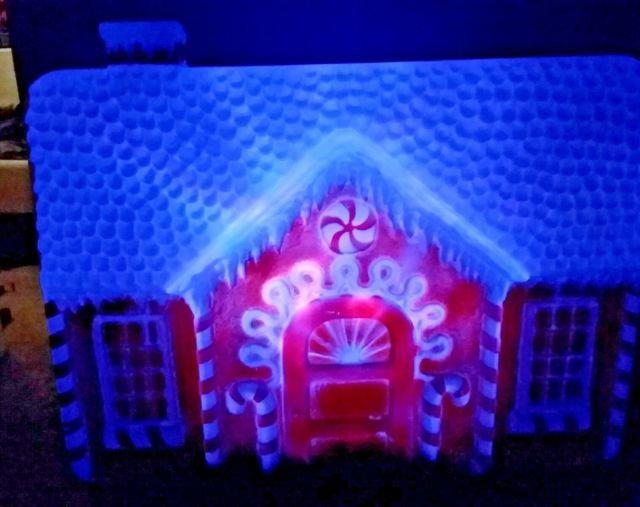 Rare Gingerbread House Color Changing Vintage Christmas Xmas Yard Blow Mold