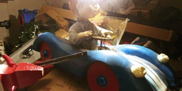 Rare Hamberger Animated Christmas Display Figure Christmas Morning Car & Bike