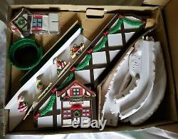 Santas Ski Slope, MINT IN BOX Ski Lift 1992 Mr Christmas Never Used RARE
