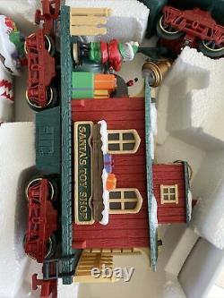 The Holiday Express Animated Train Set No 387 Santa Xmas Electric