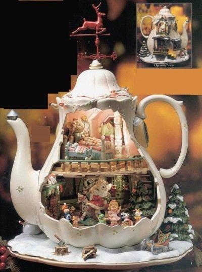 Ultra Rare Enesco Holiday Bungalow Mice Teapot Multi-action/lights Music Box Mib