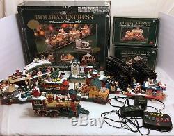 VTG New Bright The Holiday Express Animated Train Set No 387 Santa Xmas + 2 Cars