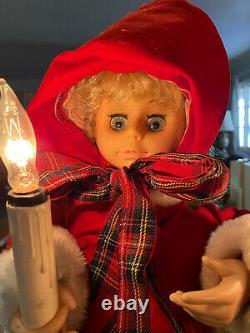 Vintage Christmas Animated Figurines Display Dickens Carolers, lighed & musical
