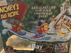 Vintage Mickeys Ski Lodge By Mr. Christmas Mechanical Decoration Complete 1992