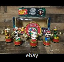 Vtg Mr. Christmas LOONEY TUNES Marching Band musicians play 35 song